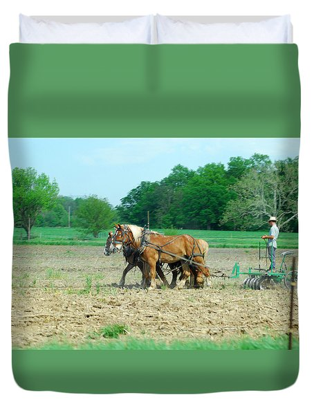 Amish At Work Duvet Cover