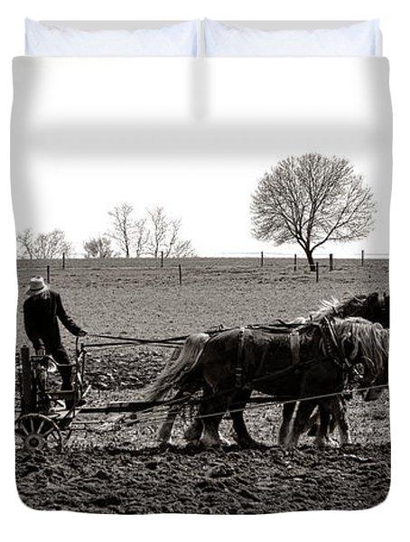 Amish Farming Duvet Cover