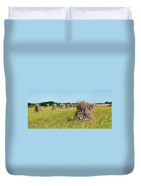 Duvet Cover featuring the photograph Amish Harvest by Cricket Hackmann