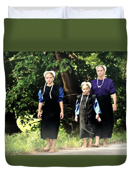 Amish Sisters Barefoot Stroll Duvet Cover
