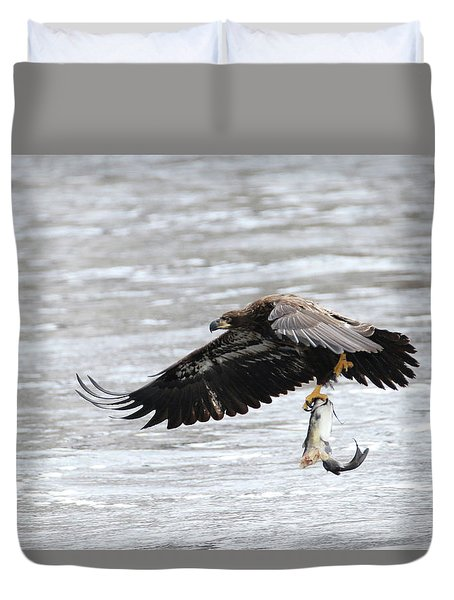 An Eagles Catch 10 Duvet Cover by Brook Burling