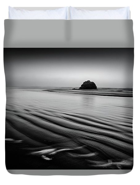 Duvet Cover featuring the photograph An Oregon Morning by Jon Glaser