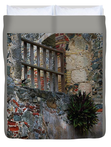 Annaberg Ruin Brickwork At U.s. Virgin Islands National Park Duvet Cover by Jetson Nguyen