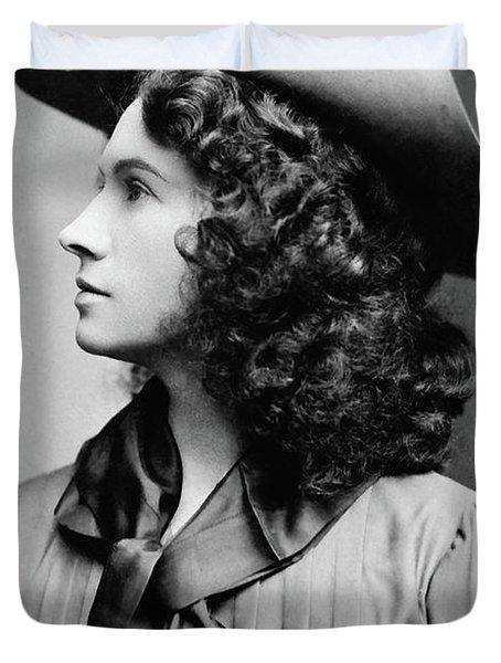 Annie Oakley Profile Duvet Cover