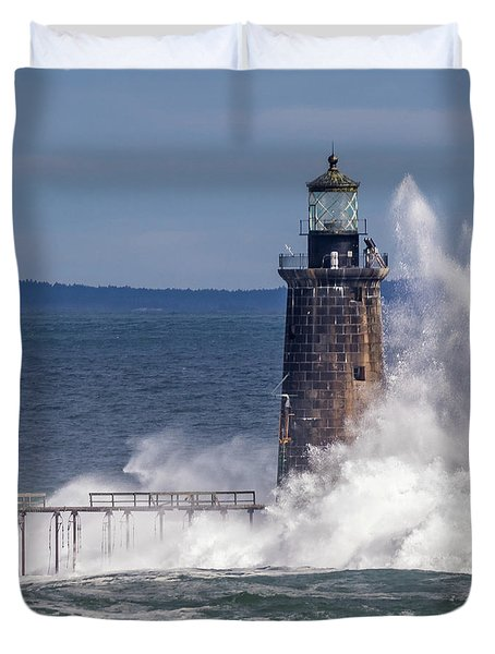 Another Day - Another Wave Duvet Cover