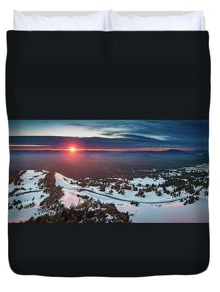Duvet Cover featuring the photograph Another Sunset At Crater Lake by William Lee