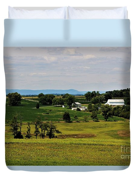 Antietam Battlefield And Mumma Farm Duvet Cover