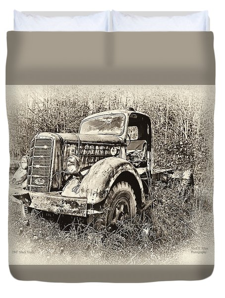Antique 1947 Mack Truck Duvet Cover