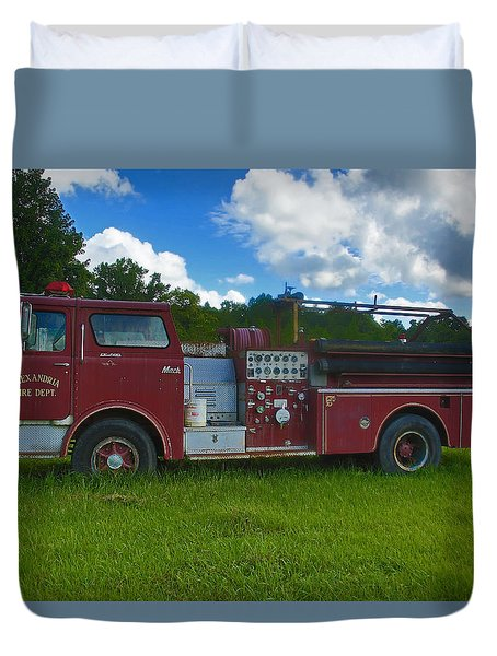 Antique Fire Truck Duvet Cover by Ronald Olivier
