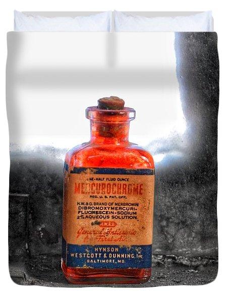 Antique Mercurochrome Hynson Westcott And Dunning Inc. Medicine Bottle - Maryland Glass Corporation Duvet Cover