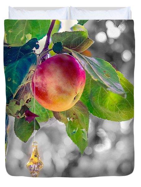 Apple And The Diamond Duvet Cover
