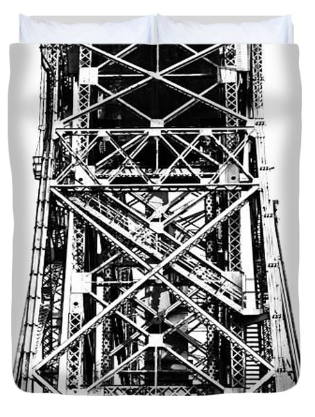 Aerial Lift Bridge-duluth, Mn Duvet Cover