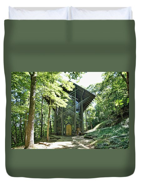 Duvet Cover featuring the photograph Approaching Thorncrown Chapel by Cricket Hackmann