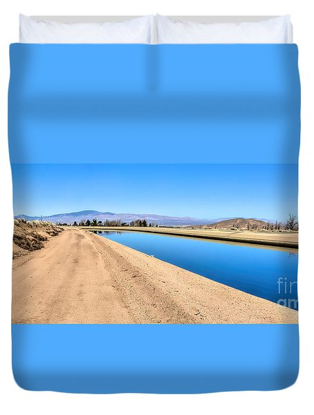 Aqueduct And The Tehachapi Mountains Duvet Cover