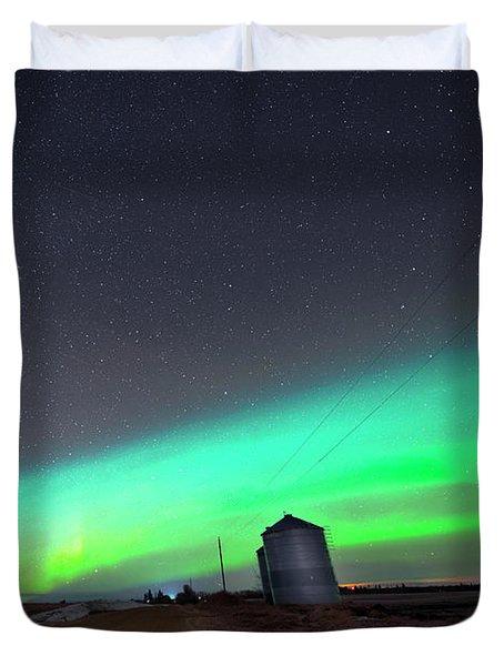 Duvet Cover featuring the photograph Arc Of The Aurora by Dan Jurak