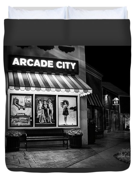 Arcade City In Black And White Duvet Cover