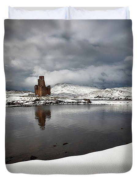 Duvet Cover featuring the photograph Ardvreck Castle In Winter by Grant Glendinning