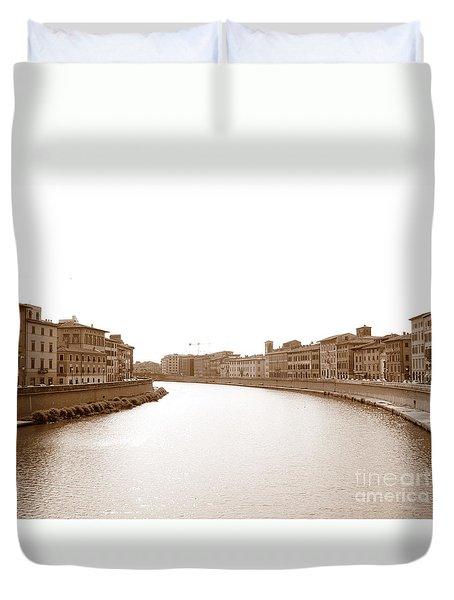 Arno River In Pisa Duvet Cover