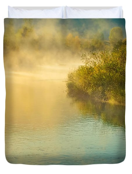 Duvet Cover featuring the photograph Around The Bend by Don Schwartz