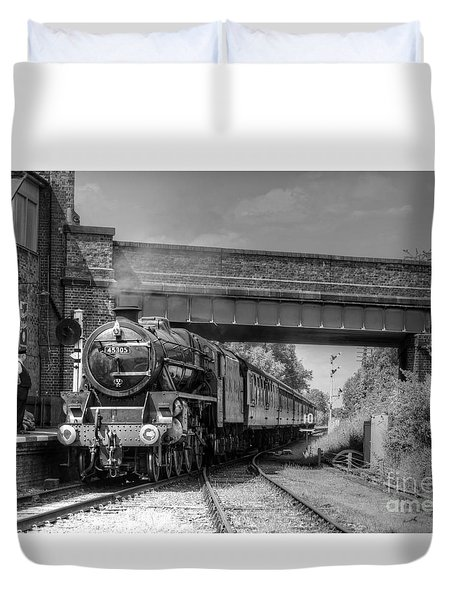 Arrival At Quorn Duvet Cover