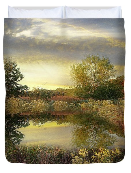 Arrival Of Dawn Duvet Cover