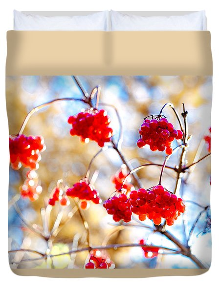 Arrowwood Berries Duvet Cover