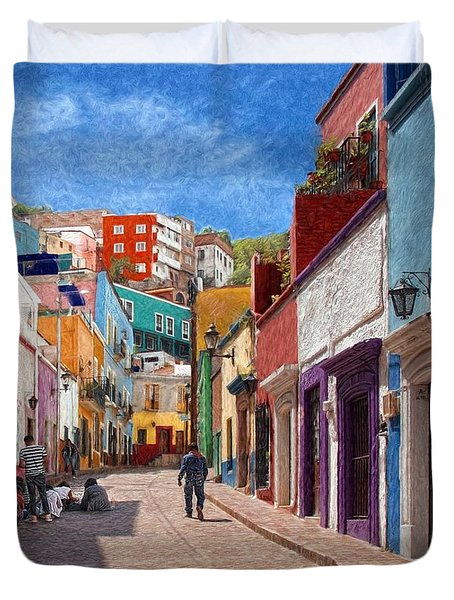 Art Students Drawing A Street In Guanajuato Duvet Cover