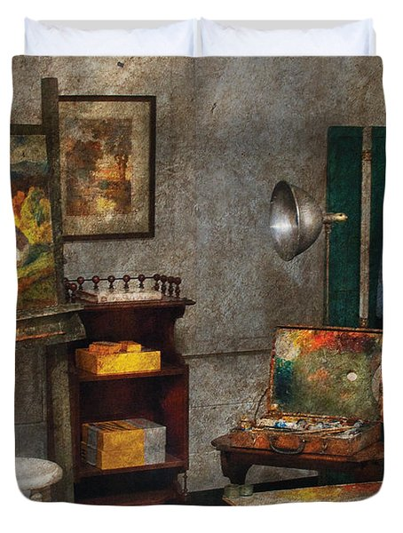 Artist - Painter - The Artists Studio Duvet Cover by Mike Savad