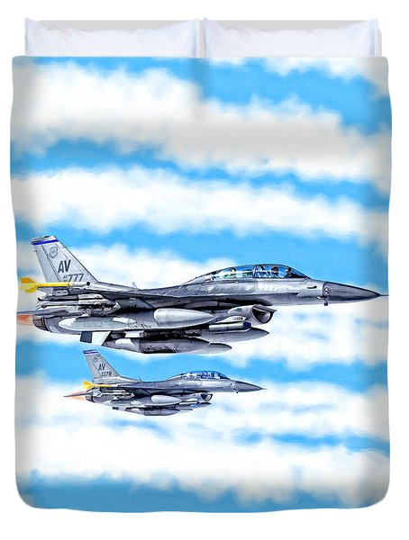 F-16 Fighting Falcons In Flight Duvet Cover