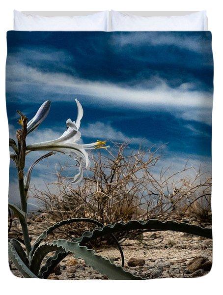 Desert Lilly Close Up Duvet Cover