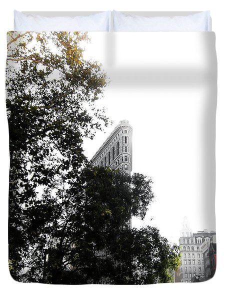 Duvet Cover featuring the photograph Flatiron Autumn  by Nicklas Gustafsson