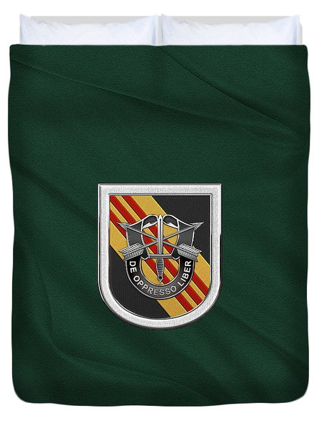 U. S.  Army 5th Special Forces Group Vietnam - 5 S F G  Beret Flash Over Green Beret Felt Duvet Cover
