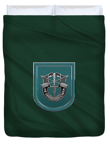 U. S.  Army 19th Special Forces Group - 19 S F G  Beret Flash Over Green Beret Felt Duvet Cover