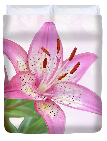 Asiatic Lily Trogon Duvet Cover