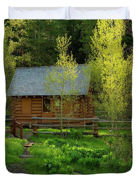 Duvet Cover featuring the photograph Aspen Cabin by Leland D Howard
