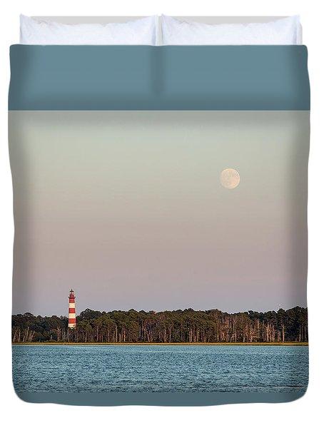 Assateague Light And The Full Moon Duvet Cover