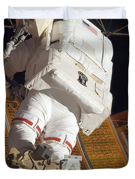 Astronaut Installs Stabilizers Duvet Cover by Stocktrek Images