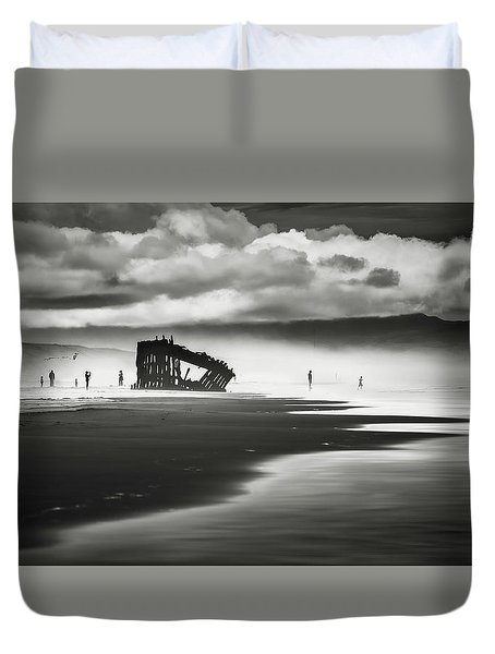 At Peter Iredale Shipwreck Mono Duvet Cover
