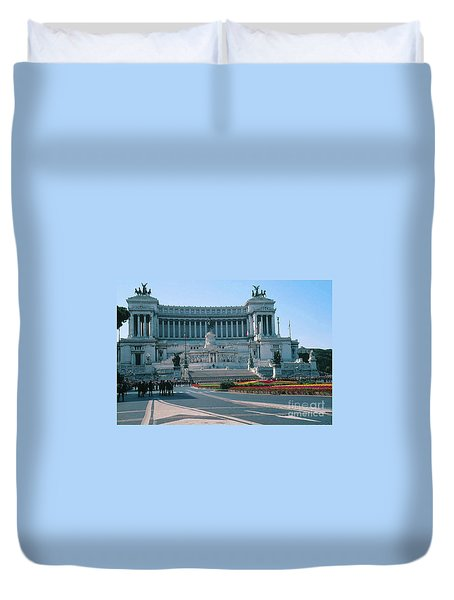 National Monument To King Victor Emmanuel II In Piazza Venezia, Rome Duvet Cover by Greta Corens