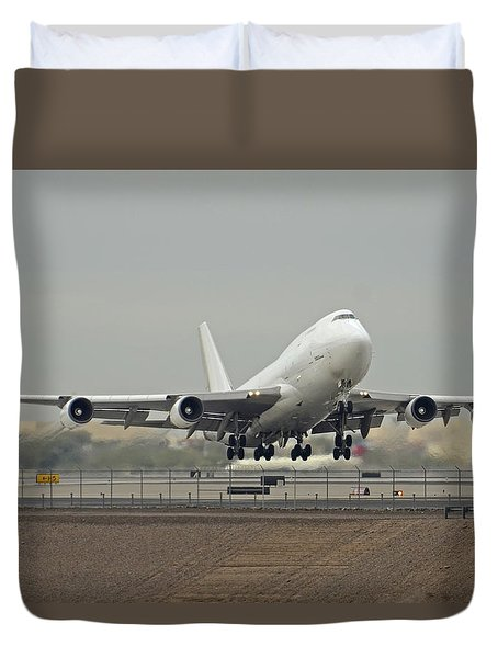 Atlas Air Boeing 747-45e-sf N473mc Phoenix Sky Harbor December 24 2015 Duvet Cover by Brian Lockett