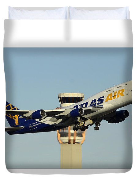 Atlas Boeing 747-446 N465mc Phoenix Sky Harbor January 3 2015 Duvet Cover by Brian Lockett