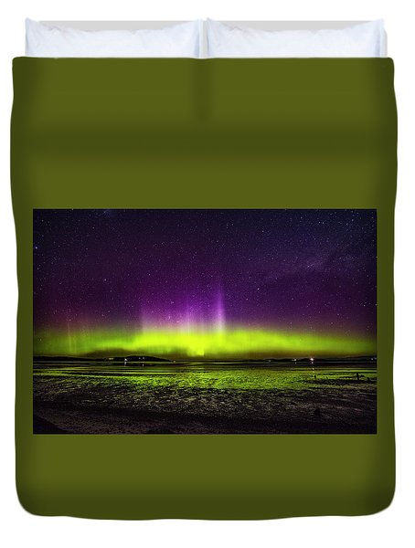 Duvet Cover featuring the photograph Aurora Australis by Odille Esmonde-Morgan