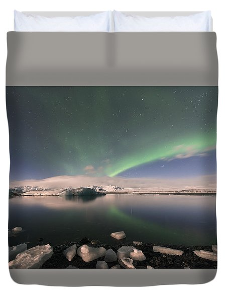 Duvet Cover featuring the photograph Aurora Borealis And Reflection by Wanda Krack