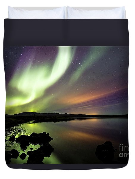 Aurora Borealis Over Thinvellir Duvet Cover