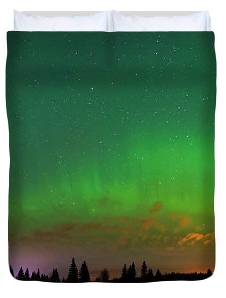 Aurora Over Pond Panorama Duvet Cover
