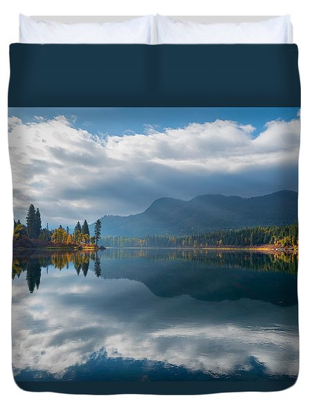 Autumn Along The Pend Oreille River Duvet Cover