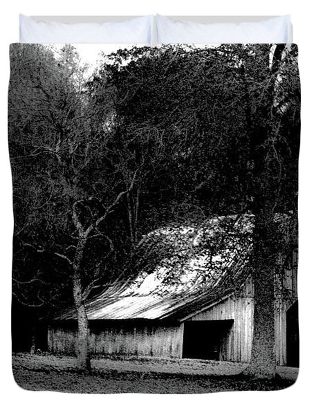 Autumn Barn In Alabama Bw Duvet Cover