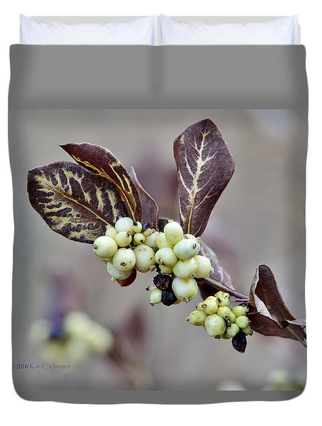 Autumn Berries And Foliage Duvet Cover