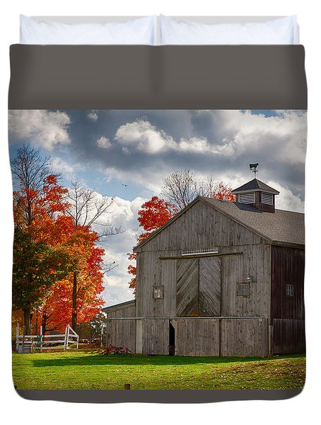 Duvet Cover featuring the photograph Autumn Fall Colors Turn Next To Grey Barn by Jeff Folger