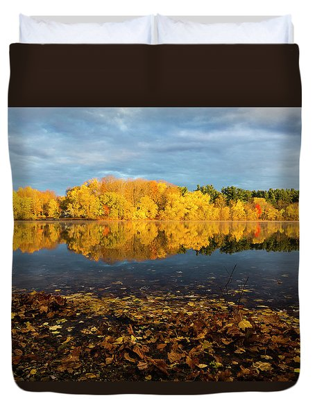 Autumn Morning Reflection On Lake Pentucket Duvet Cover